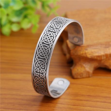 bracelet acier et motifs celtiques