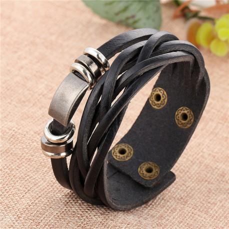 bracelet cuir et piéces metalliques